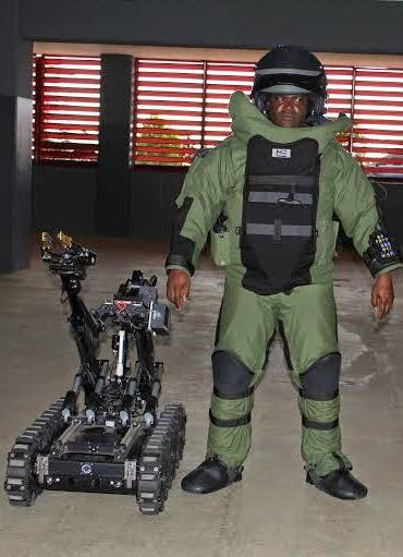 Photos: U.S donates high tech bomb disposal robots/equipment to Nigerian police