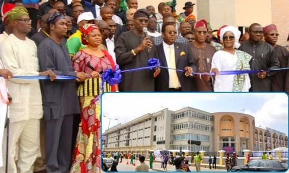 Fashola commissions newly built Tejuosho market