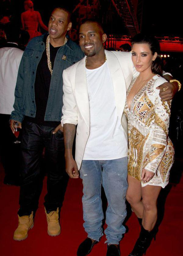 Kim K Snubbed Jay_Z In A Restaurant With Kanye West