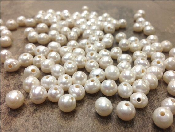 How to Nail It With Pearl Beads